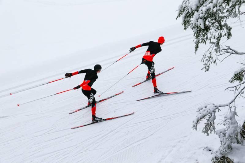 Rossignol Infini Skiing - odzież kompresyjna specjalnie dla biegaczy narciarskich