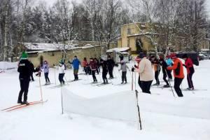 Choć w Wesołej zima krótka, zarażają biegówkami cały rok!