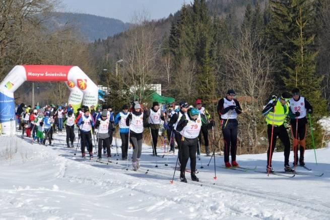 Sto nartozaurów wędrowało i biegało na nartach pod Śnieżnikiem