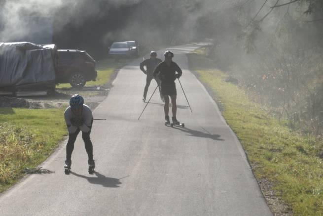 Trening na nartorolkach podczas konsultacji teamu nabiegowkach.pl - listopad 2014
