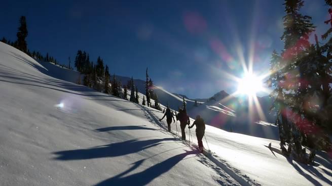 Przewodniki dla narciarzy biegowych i tourowych - Seria z falą - recenzja
