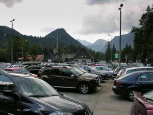 Dawne przejście graniczne na Łysej Polanie przemienione w wielki parking