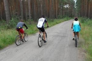 V dzień obozu w Żaganiu - na rowerach