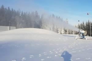 W czwartek 29 listopada na Duszniki Arenie śnieg produkowany jest pełną parą