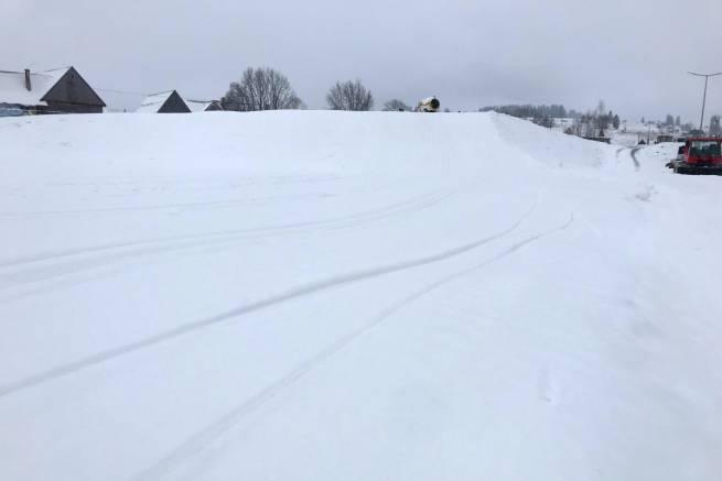 W Chochołowie na sztucznie naśnieżonej trasie jest już nawet 50 cm śniegu