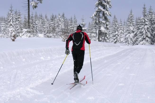 Wirtualny kurs narciarstwa biegowego (odc. 1) - styl klasyczny - krok naprzemianstronny - FILM