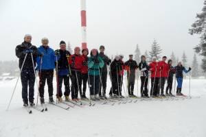 Uczestnicy pierwszego zimowego turnusu Obozów nabiegowkach.pl z instruktorami: Józefem Łuszczkiem i Markiem Tokarczykiem (styczeń 2012)