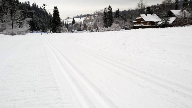 W Nowym Targu uruchomiono sztucznie naśnieżaną pętlę do biegania na nartach