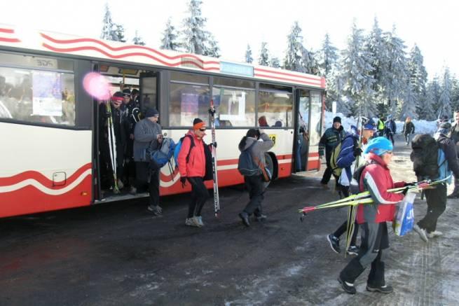 Autobusem prosto na trasy biegowe w Jakuszycach