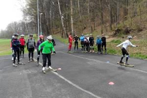 Czy w jeden weekend można nauczyć się biegać na nartorolkach?