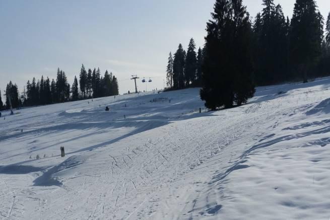 W Białce Tatrzańskiej śnieg wilgotny, ale wszędzie dużo śniegu, a trasy przygotowane