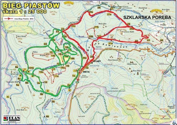 Trasy wyścigów psich zaprzęgów - na czerwono, trasy dla narciarzy - na zielono.
