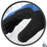 Wzmocnienie między kciukiem i palcem wskazującym przedłuża żywotność rękawiczek